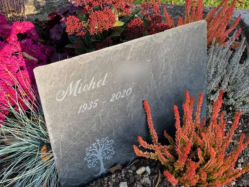pierre tombale en ardoise pour deux noms